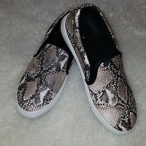 Qupid Snake Skin Slip-on Shoes